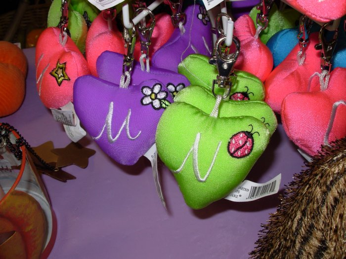 PUFFY HEART ZIP CLIP KEY CLIP WITH THE LETTER N LIME GREEN NEW GANZ