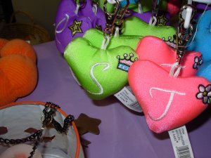 PUFFY HEART ZIP CLIP KEY CLIP WITH THE LETTER S LIME GREEN NEW GANZ