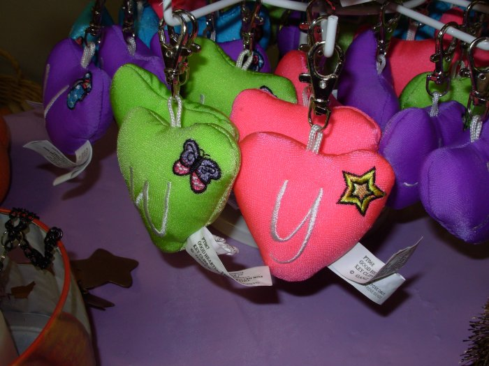 PUFFY HEART ZIP CLIP KEY CLIP WITH THE LETTER Y HOT PINK NEW GANZ