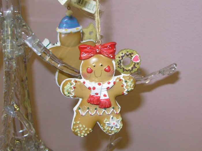 GINGERBREAD COOKIE GIRL CHRISTMAS ORNAMENT NEW GANZ HOLIDAY TREE HOME DECOR