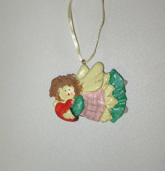 MINI RESIN ANGEL WITH RED HEART CHRISTMAS ORNAMENT NEW GANZ HOLIDAY TREE HOME DECOR