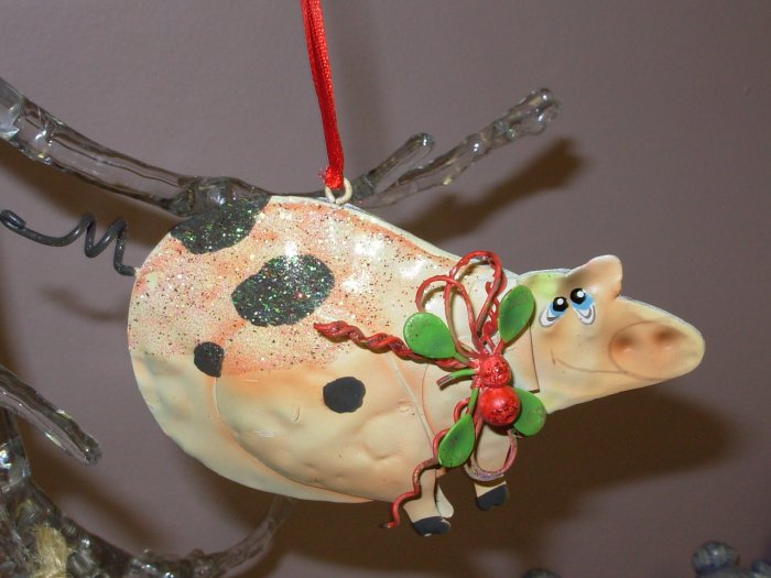 WHIMSICAL PIG CHRISTMAS ORNAMENT NEW GANZ HOME HOLIDAY DECOR