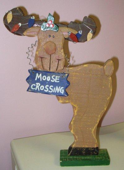 MOOSE CROSSING WOODEN YARD ART MOOSE CHRISTMAS HOLIDAY DECOR INDOOR OUTDOOR NEW GANZ