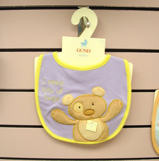 GUND BABY BIB WITH SQUEAKER LITTLE BEAR SAYS I NEED LOTS OF HUGS GUND BABY NEW WITH ORIGINAL TAGS
