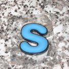 INITIAL MAGNET LETTER S BLUE AND BLACK SOFT RUBBER NEW