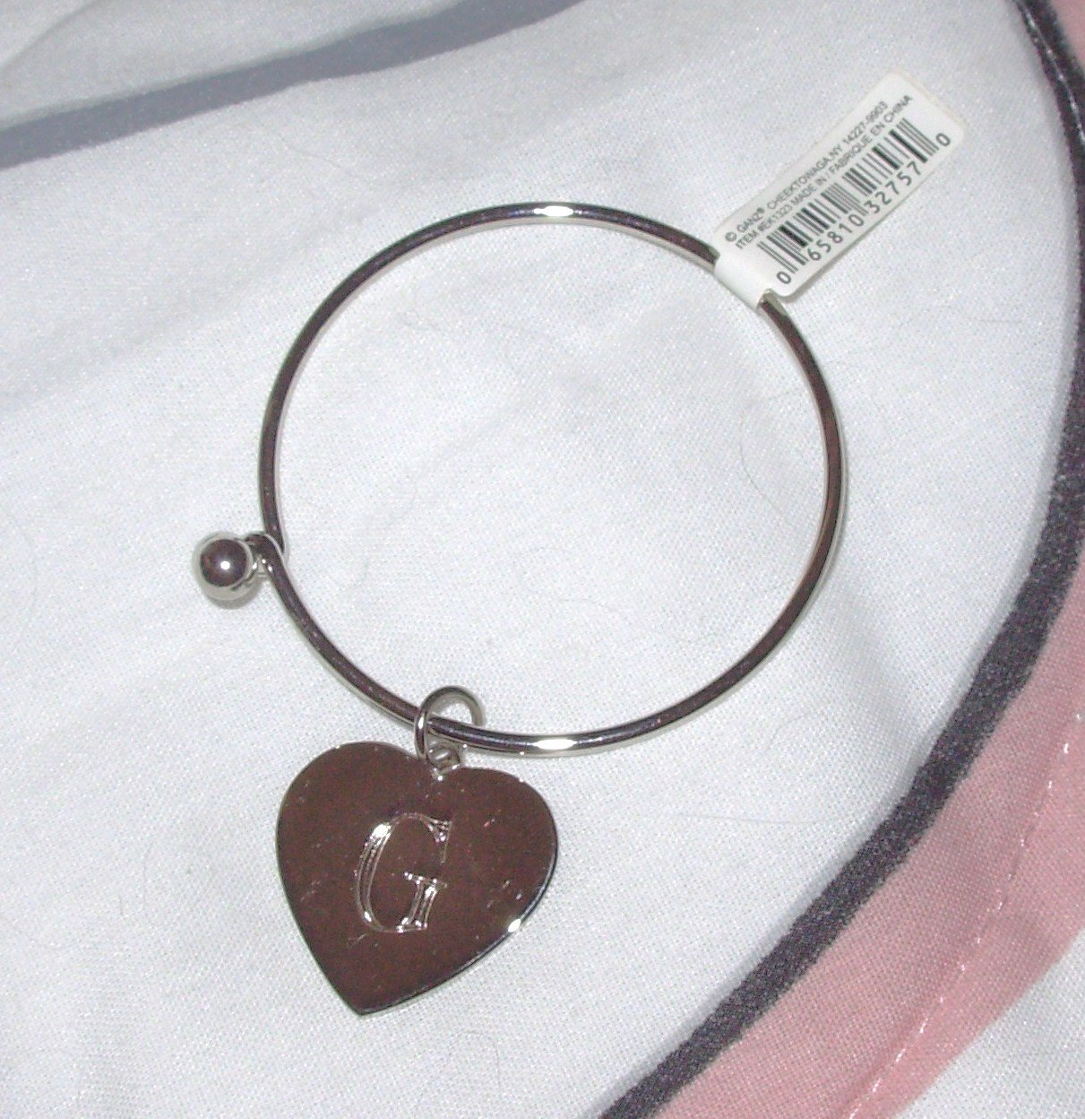 BRACELET HEART CHARM INITIAL G NEW SILVER COLORED METAL SPRING BALL CLOSURE CHILD OR YOUNG LADIES