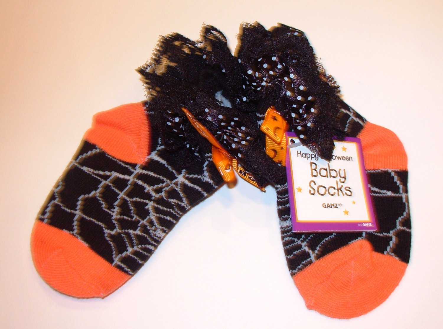 HALLOWEEN BABY SOCKS SPIDERWEBS BOO BOWS AND LACE SIZE 0 TO 12 MONTHS NEW GANZ