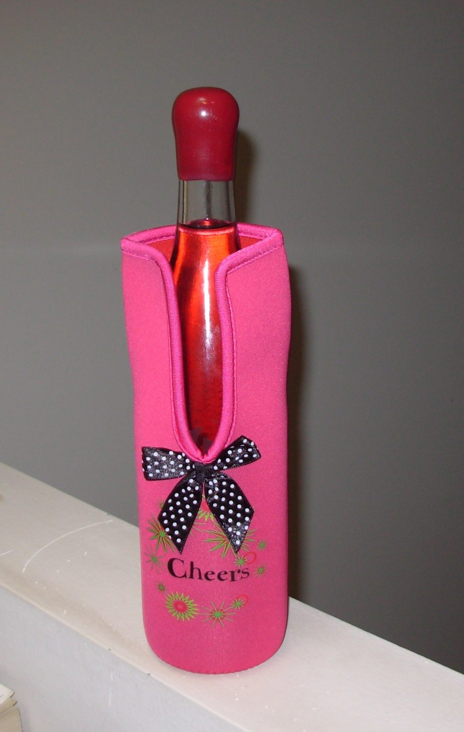 HOT PINK WINE BOTTLE BAG INSULATED NEOPREME CHEERS NEW HOLIDAY GIFT GIVING