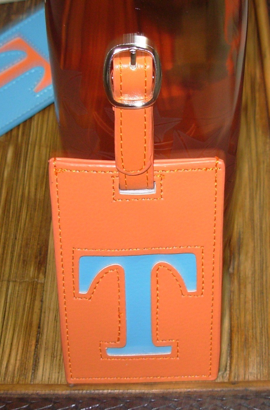 LETTER T INITIAL LUGGAGE TAG NEW GANZ IN ORANGE WITH A BLUE LETTER T VINYL