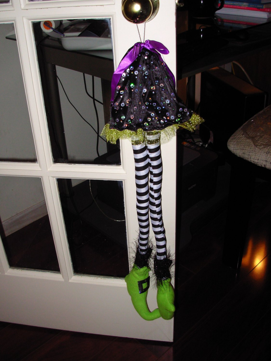 HANGING WITCH LEGS ORNAMENT BLACK GREEN PURPLE HALLOWEEN HOME DECOR NEW GANZ
