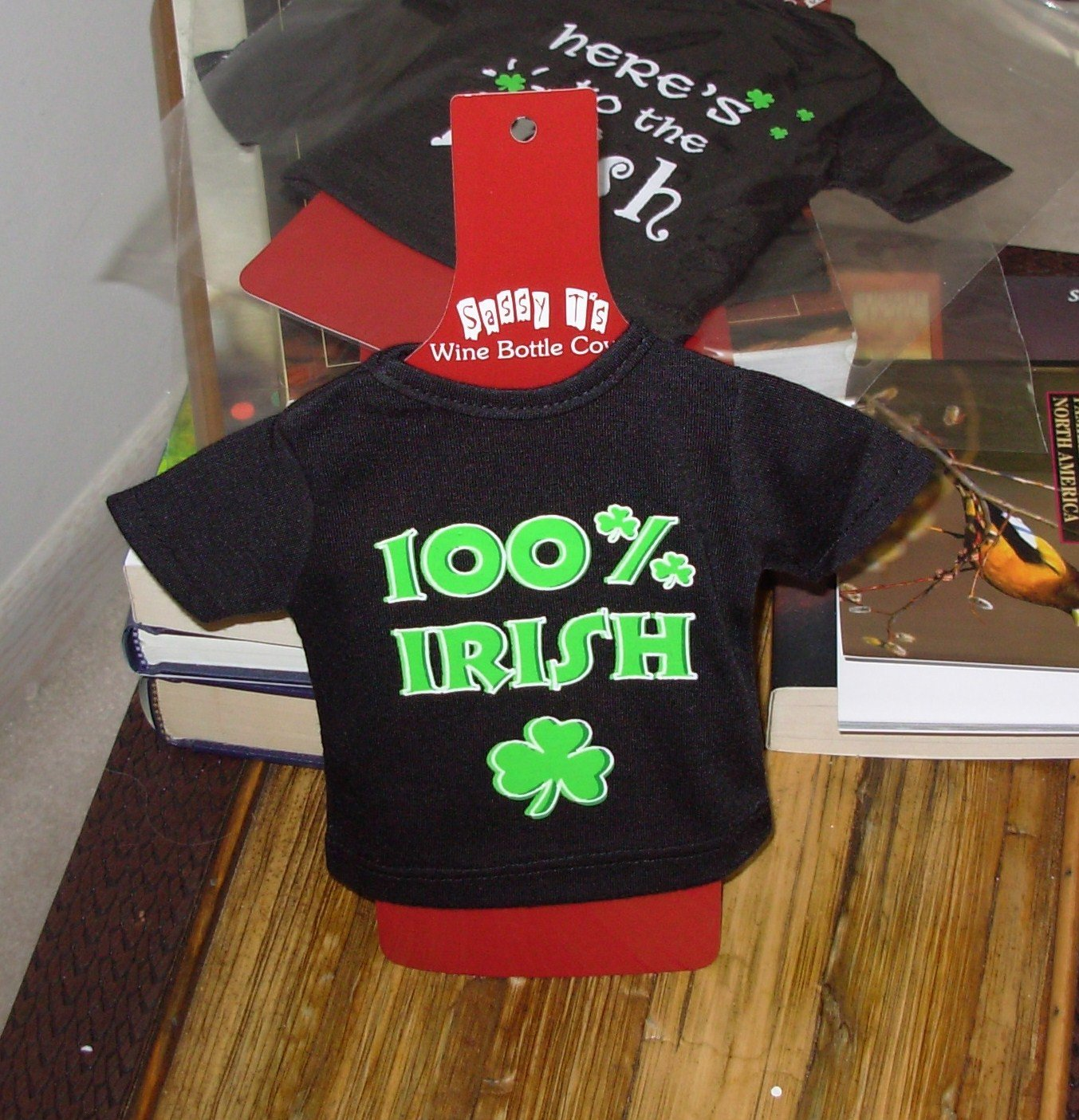 IRISH SASSY TEES WINE BOTTLE COVERS SAYS 100% IRISH NEW GANZ BAR HOME GIFT