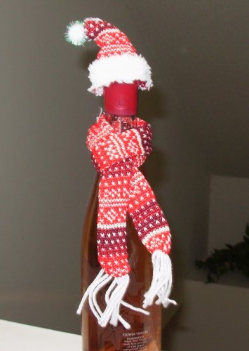 WINE BOTTLE SNUGGLER SCARF AND STOCKING CAP NEW GANZ HOLIDAY HOSTESS GIFT