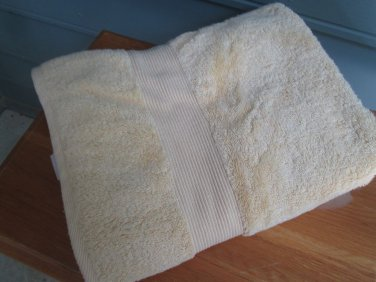 Thick cream color BATH TOWEL/SHEET, 100% cotton, never used, 1 flaw, good value!