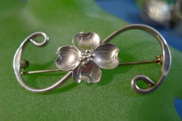 BROOCH / PIN: VINTAGE sterling 925  NYE Dogwood Blossom Single Vine
