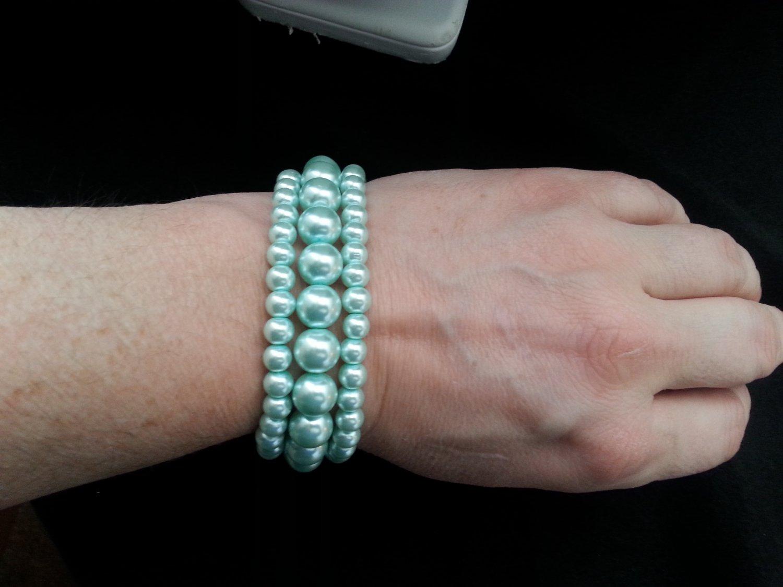 Sea green pearl triple strand bracelet