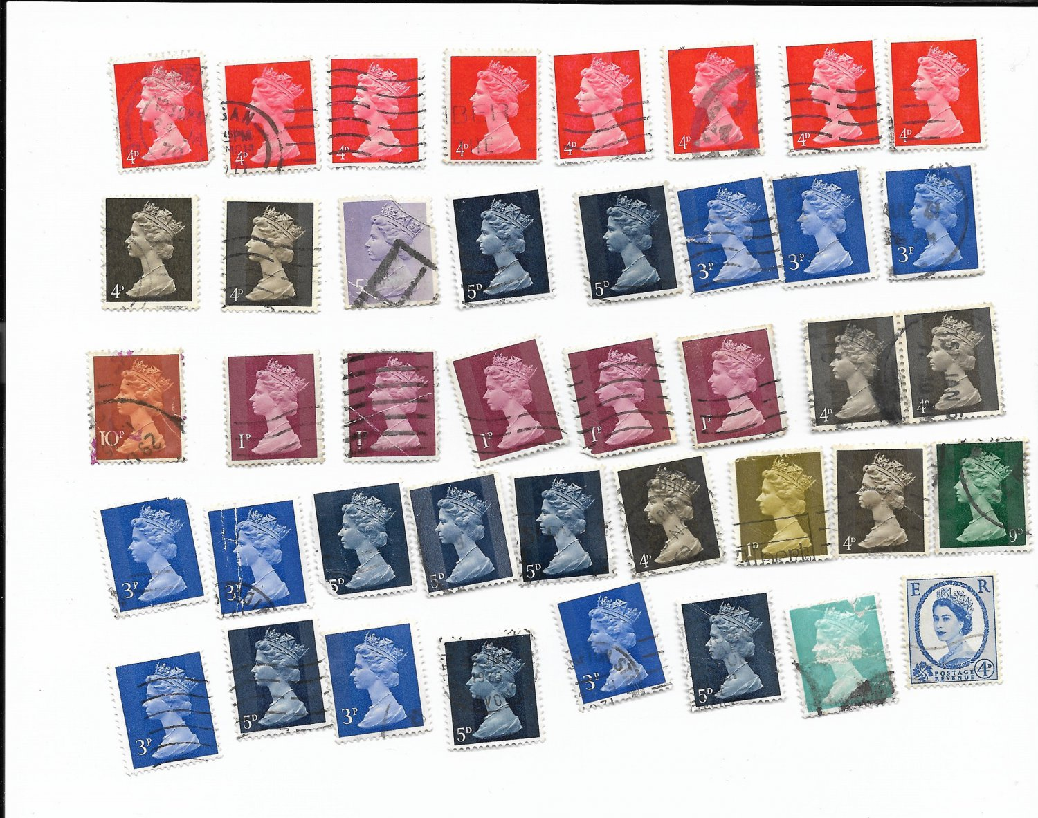 Great Britain Queen Elizabeth II Manchin Assorted Canceled Stamps 40 PIECES