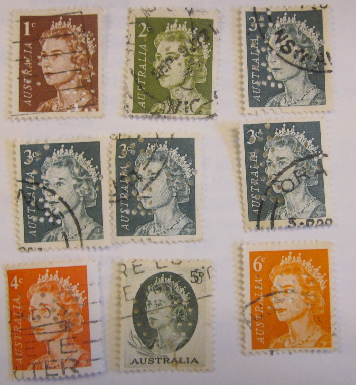 AUSTRALIA STAMPS CANCELED 9 Perfin