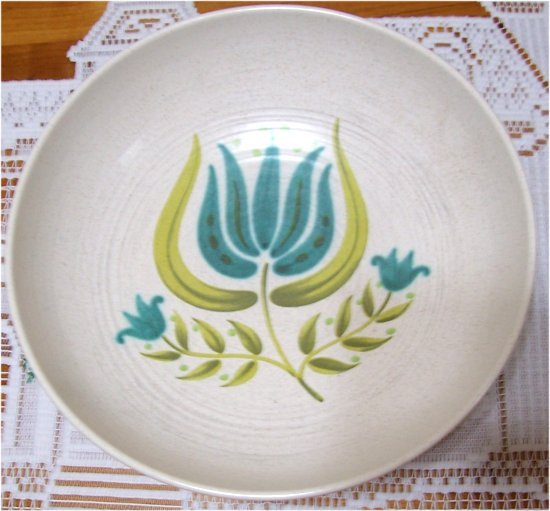 VINTAGE FRANCISCAN TULIP TIME ROUND VEGETABLE BOWL
