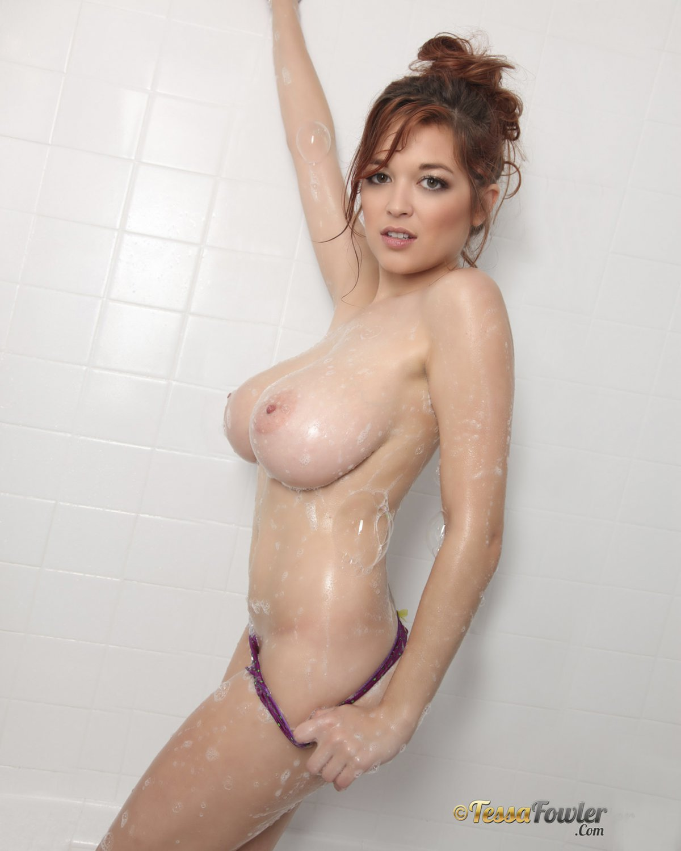 TESSA FOWLER Big Titted Beauty Goddess / 8x10 Glossy Finish Photo Print Nr 2