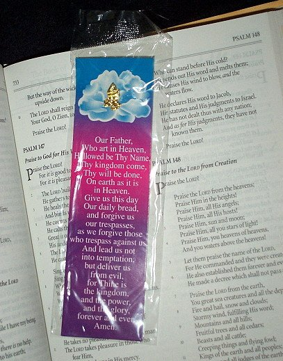 "NEW RELIGIOUS PRAYING HANDS PIN & BOOKMARK SET ""Our Father Whoe Art In Heaven..."" Prayer Marker"