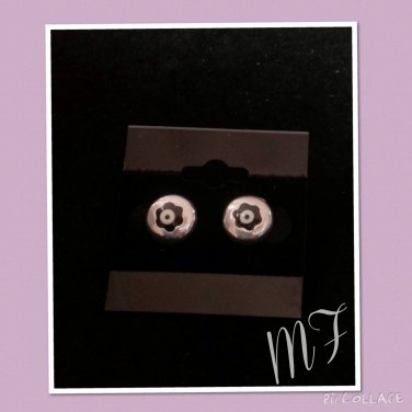 """Midnight flower Eyes"" fashion studs"