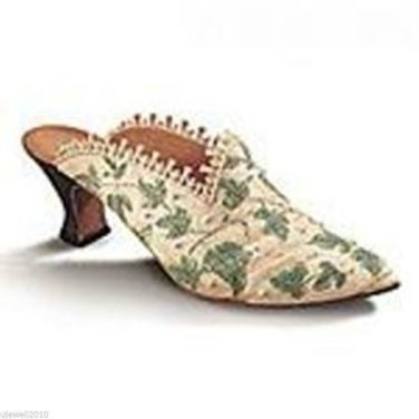 Just the Right Shoe Collectible Shoe with Box Touch of Lace Miniature