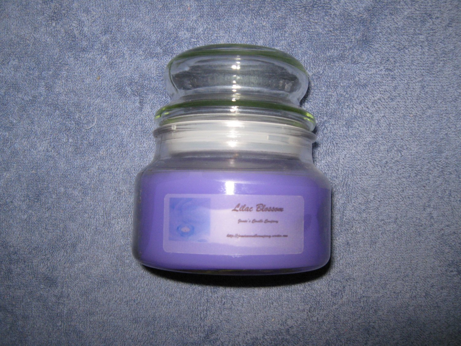 Lilac Blossom 10 Ounce Apothecary Jar Candle