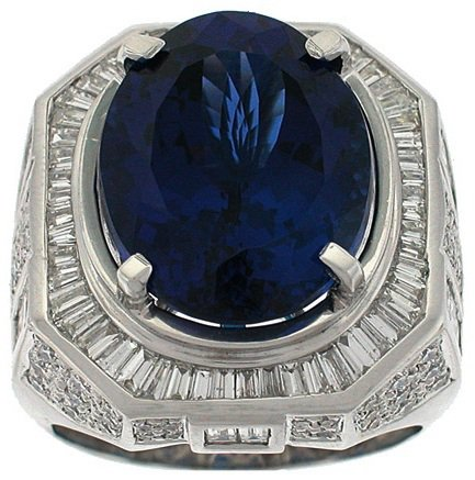 Ring Men  19.40CT Tanzanite 2.85CT Baguettes 1.00CT Round Diamonds 18KT White Gold