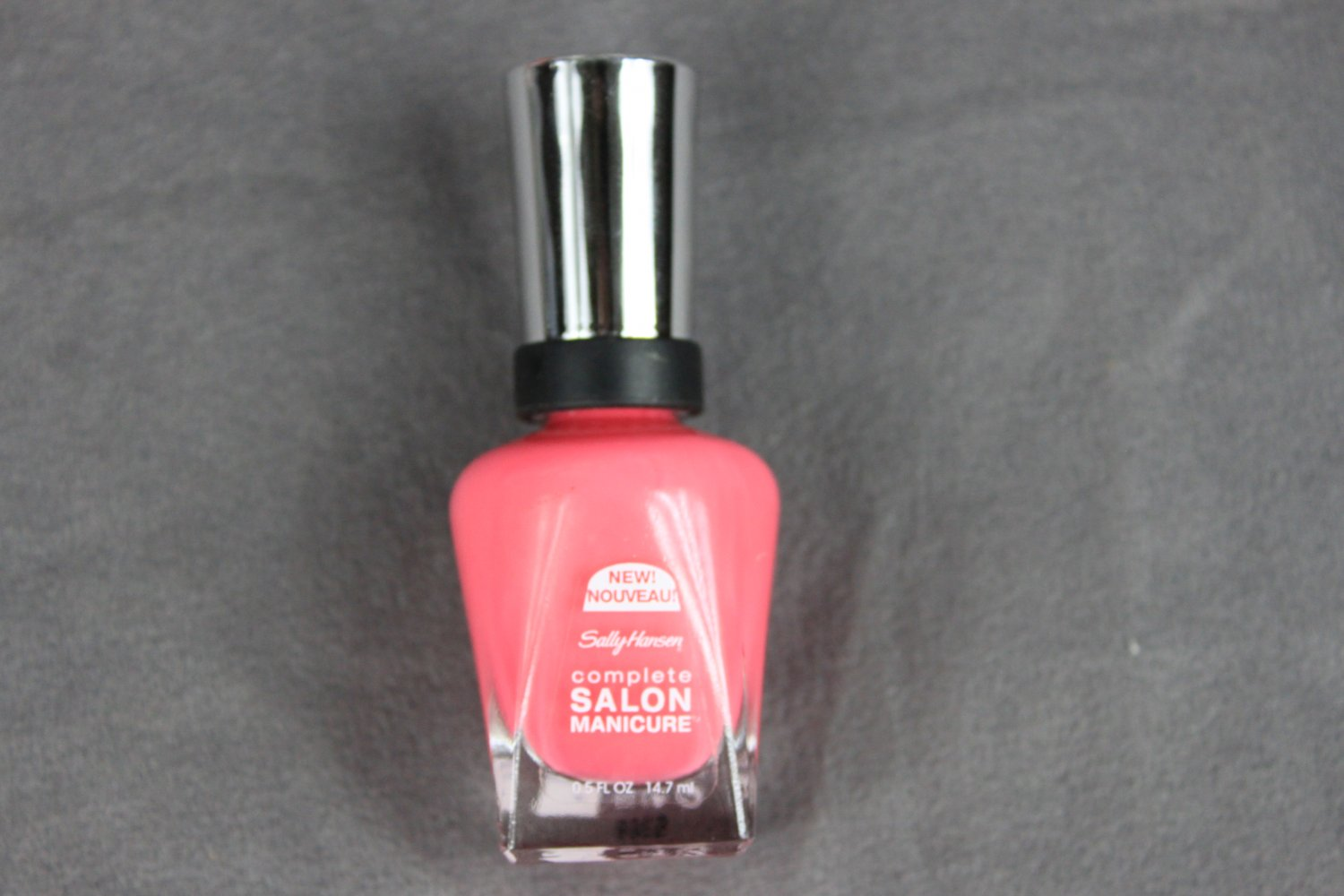 Sally Hansen HELLO PRETTY Complete Salon Manicure Nail Polish