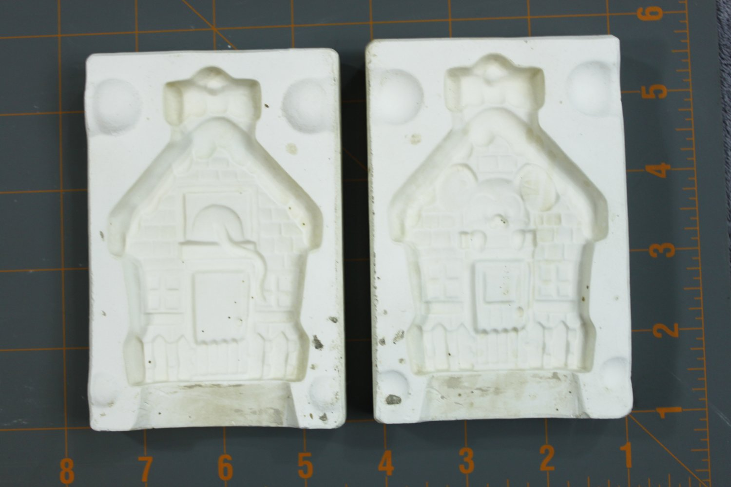Vintage Plaster Casting Mold - Alberta's #A-60 Mouse House Ornament