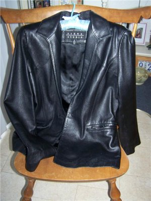 Size 10 * Ladies Soft Black Leather Jacket