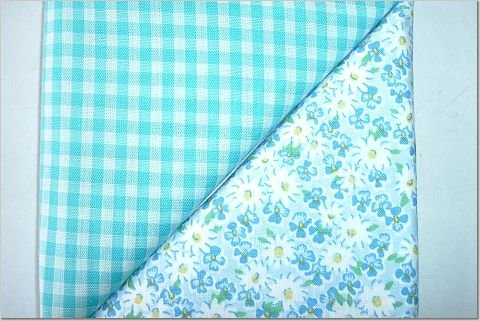 Turqoise Gingham n' Daisy Floral Print - TWO Fat Quarters (2849)