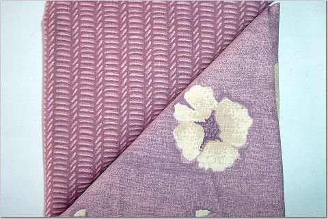Flowers on Mauve n' Knitted Design Print - TWO Fat Quarters (2852)