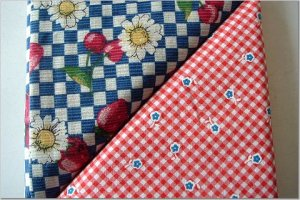 Red w/Blue Flowers n' Strawberries & Daisies - TWO Fat Quarters (2876)