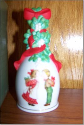 """Porcelain Christmas Bell """"Under The Mistletoe"""" 1989 AVON"""