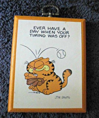VIntage Enesco Jim Davis Garfield Cat Wall Decor Hanging Wood Plaque 1983