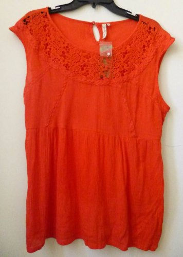 RED CAMEL EST.1931 Size L Red Spade Sleeveless Top Crochet Floral Crinkle RP $40