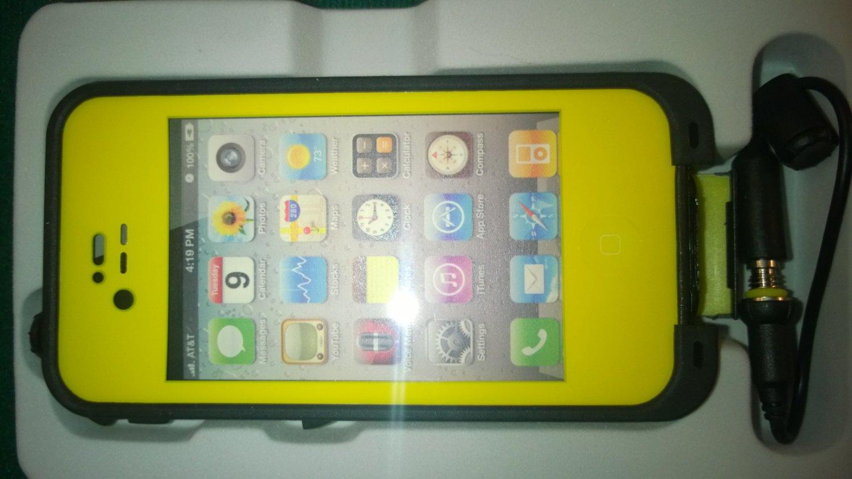 Yellow Apple Iphone 4/4s Waterproof/Shock Proof Case