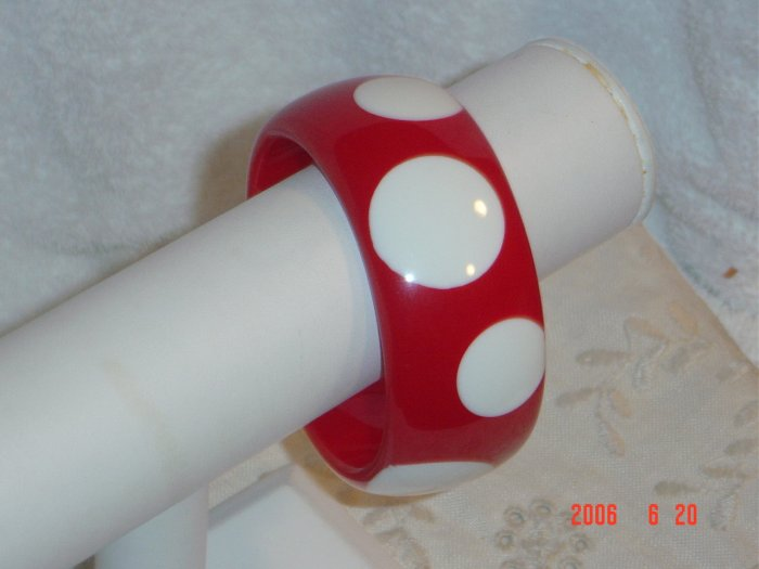 Lucite Wide Polka Dot Bangle Bracelet Red White