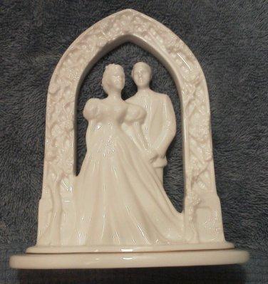 Vintage Bride and Groom Lenox Wedding Moments Arbor White Cake topper Flowers