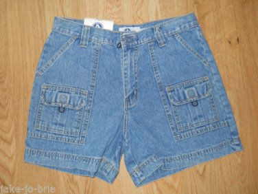 Ladies Arizona jean Shorts Size 9 Light Stone Blue 6 pockets Cargo Hiking NEW