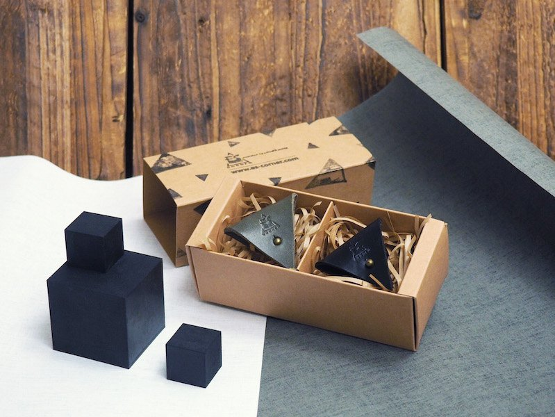 Life Believe Leather Cord Holder Gift Set - handmade,Earbud Cable Organizer,Earphone,Headphone
