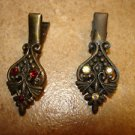 Set of 2 vintage hair clips with rhinestones.