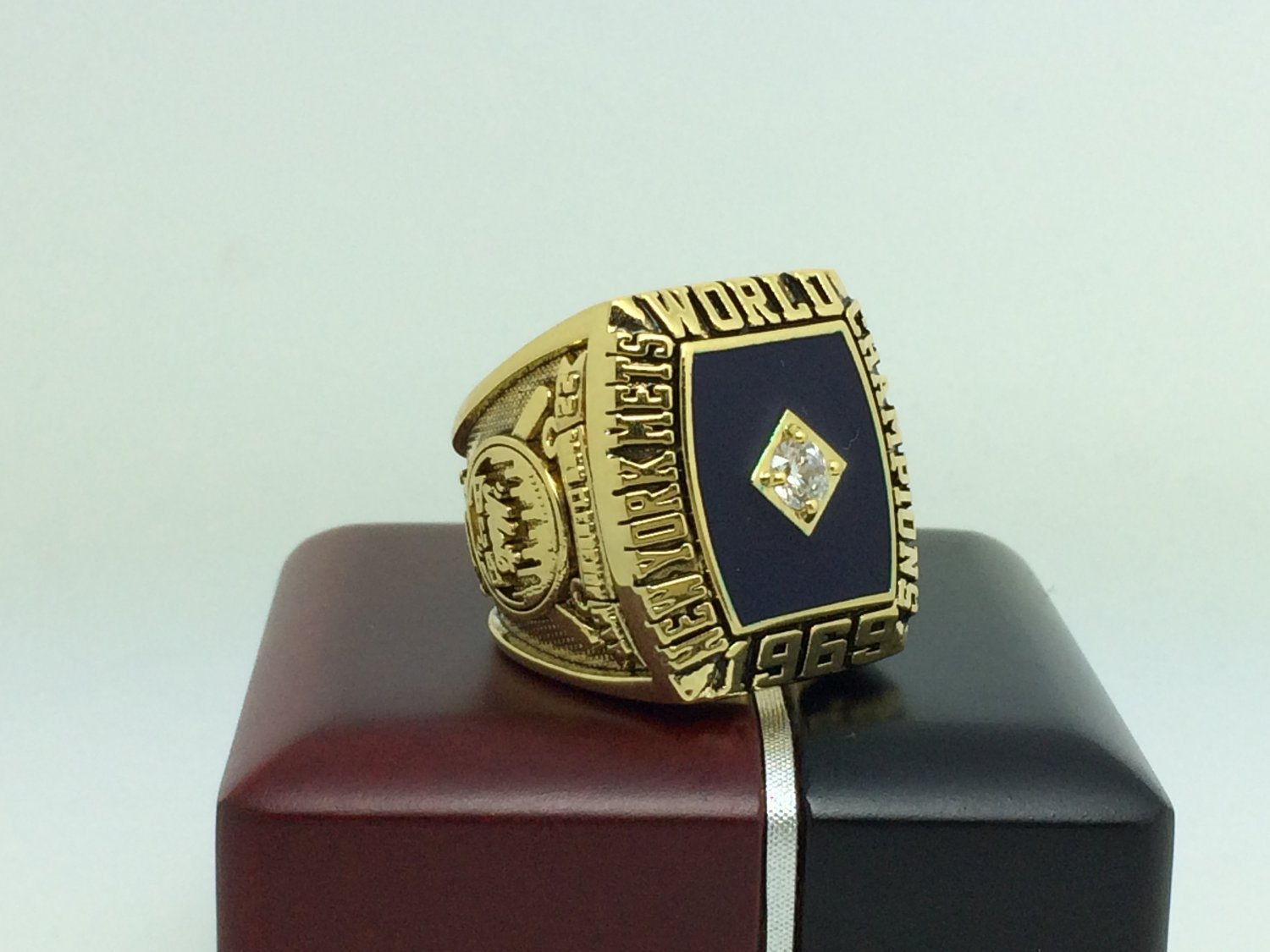 1969 Los Angeles Dodgers world series Championship Ring 9-13 Size With wooden box