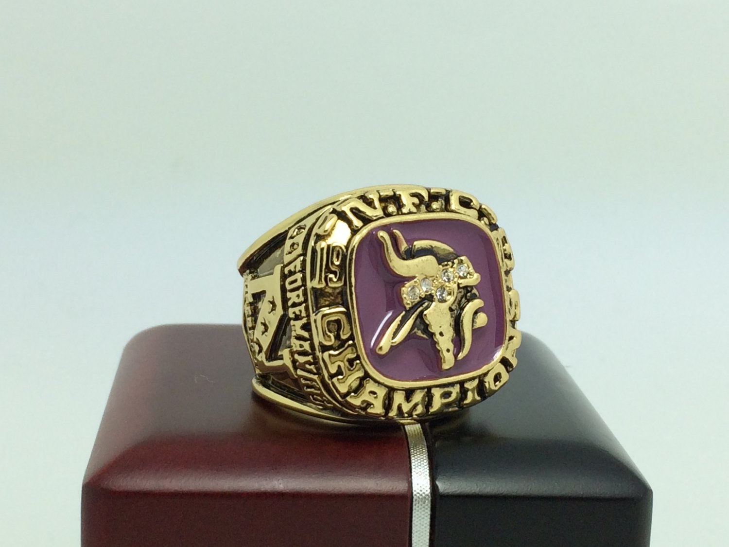 1973 Minnesota Vikings AFC super bowl Championship Ring 11 Size With wooden box