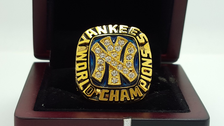 1977 New York Yankees world series Championship Ring Name MUNSON 8-14S