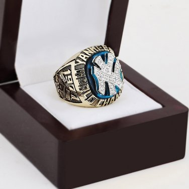 1977 New York Yankees World Series Championship Ring Size 10-13 With a nice wooden case