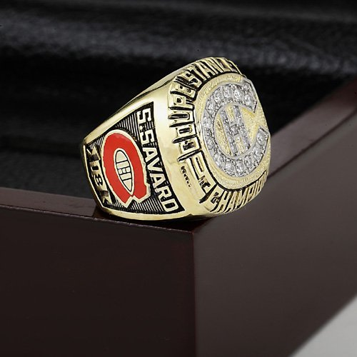 1986 Montreal Canadiens Hockey Championship Ring Size 10-13 With a nice wooden case