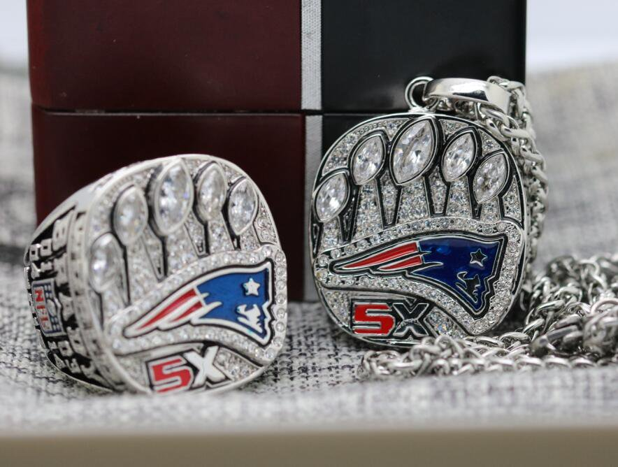 One Set 2016 2017 New England Patriots NFL championship ring and Necklace with steel Chain