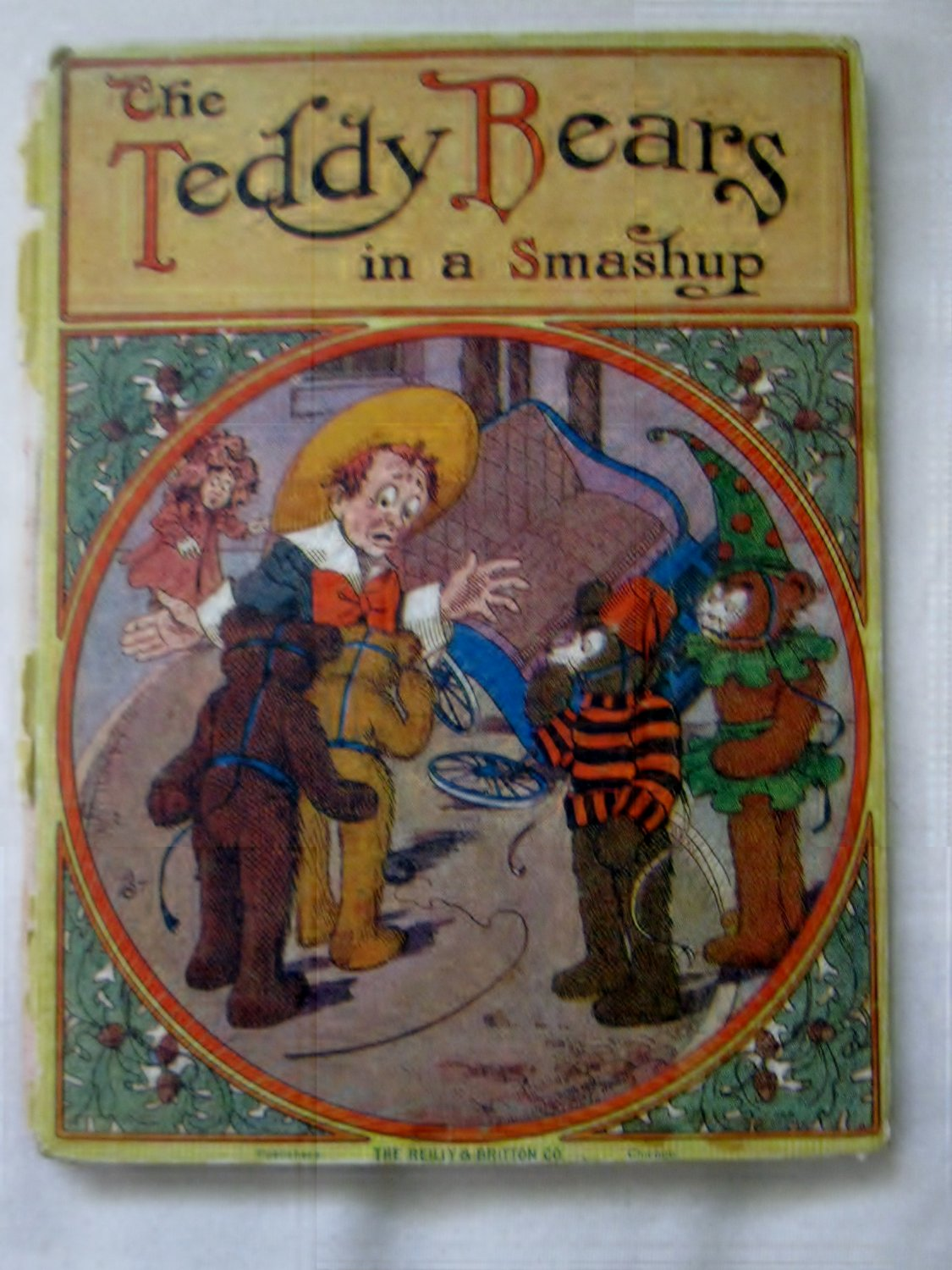 1907 THE TEDDY BEARS IN A SMASHUP